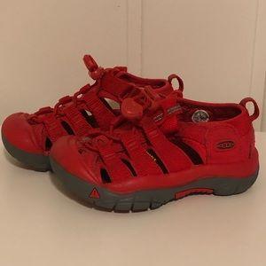 Keen red newborn boys girls sandals sz 9